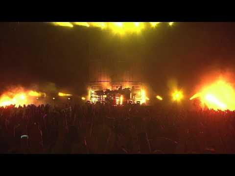 The Chemical Brothers - Star Guitar (Live from Japan)