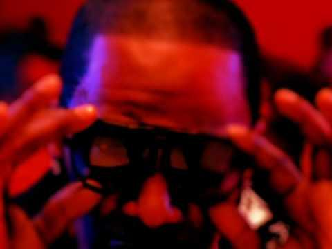 Jamie Foxx - Blame It  featuring T-Pain