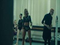 Beyonce-Pretty Hurts