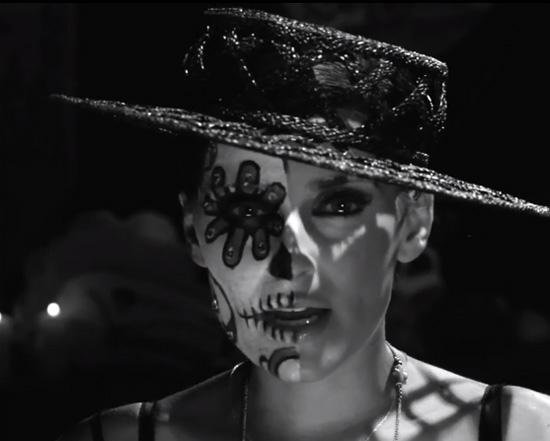 Nelly Furtado - Clip Waiting For The Night