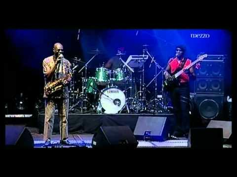 Manu Dibango & le Soul Makossa Gang Live in Paris 2005