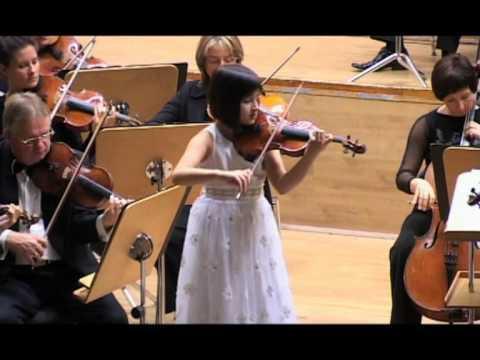 Sara Dragan plays W.A.Mozart - Violin Sonata in G major K.301
