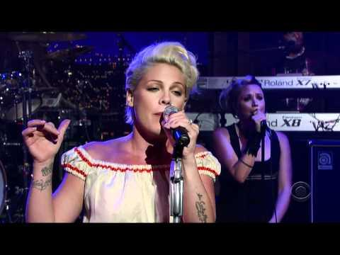 Pink - Who Knew (Live)