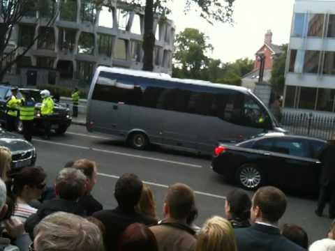 Dublin Embassy May 23rd 2011 - Barack gets car stuck at Dublin Embassy May 23rd 2011