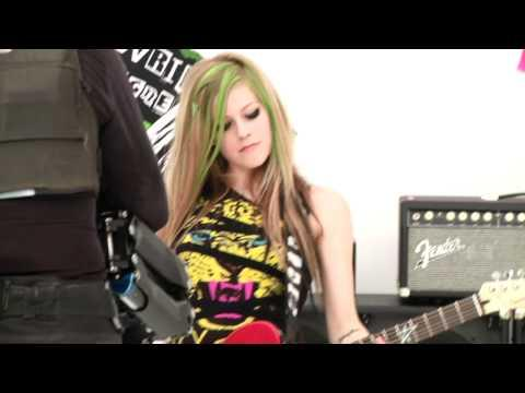 "Avril Lavigne - Avril Lavigne performing ""Smile"" BTS."