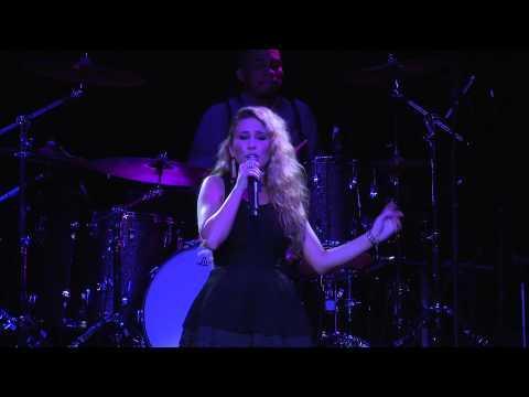 Haley Reinhart - Hit The Ground Runnin' (Live At TouchTunes)