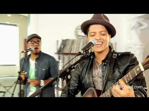 Bruno Mars - The Lazy Song ( oct 17 Bruno Mars at Rockhal October 17, 2011)