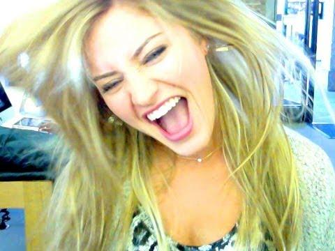 ijustine - BIGGEST APPLE STORE IN THE WORLD!