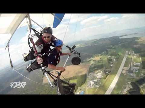 Recreation Fail - Hang Glider Loses It in Mid Air