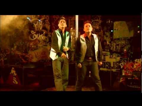Banda Los Recoditos - Ando Bien Pedo