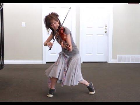Lindsey Stirling - Party Rock Anthem -Violinists can shuffle too