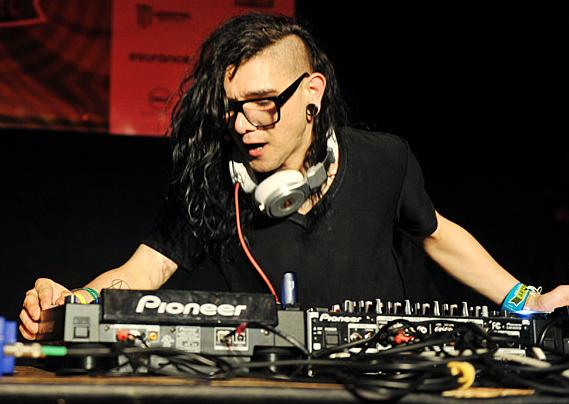 Skrillex - Clip Make It Bun Dem feat Damian Marley