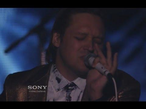 Arcade Fire Performs