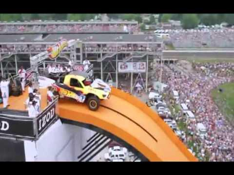 Flying Car - Record mundial de salto con coche