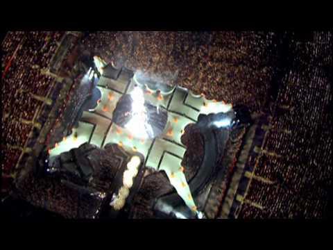 U2 - I'll Go Crazy If I Don't Go Crazy Tonight (Live)