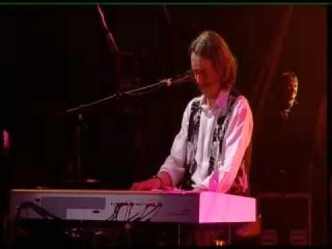 Supertramp - Live in Paris Roger Hodgson performing his song Don't Leave Me Now