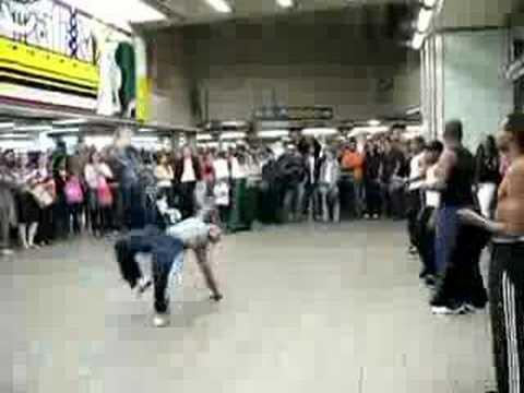 Kid gets a kick - Kid gets a kick out of breakdancing