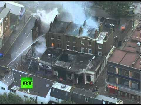Tottenham Riots - Torched houses, cars in London violence aftermath