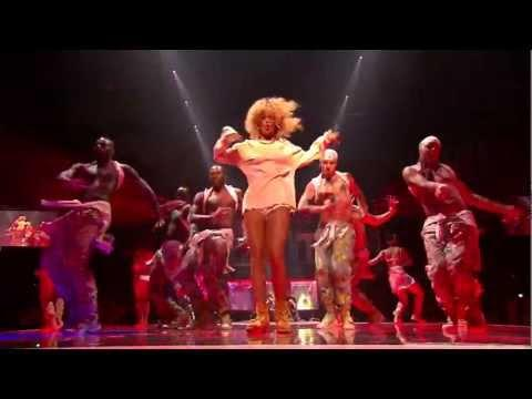 Rihanna - We Found Love (Live at BRIT Awards 2012)