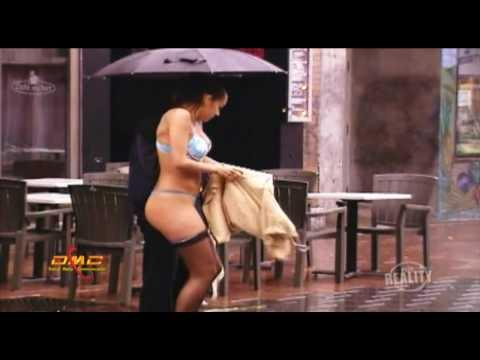 Under the Rain - Sexy Cam : Under the Rain