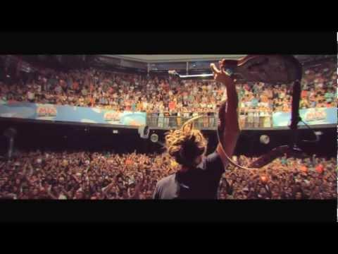 SOJA - Everything Changes (feat. Falcão of O Rappa)