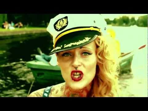 Jennifer Rostock - Der Kapitän (offizielles Musikvideo)